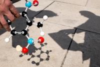 Waltzing Atoms - Chemieunterricht via App